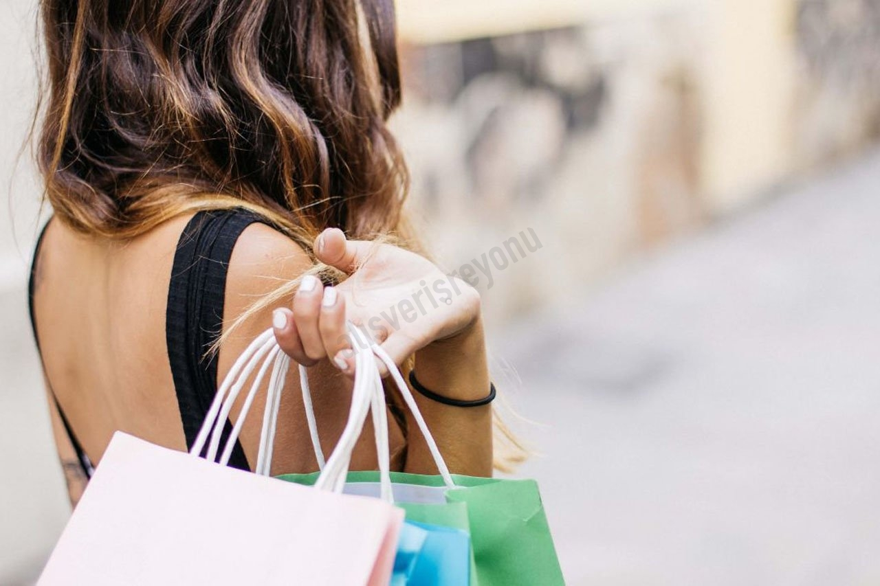 COVID-19'un Çevrimiçi Alışveriş Davranışı Üzerindeki Etkisini Anlamak